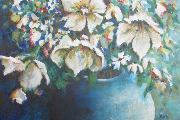 Vaas met witte bloemen
